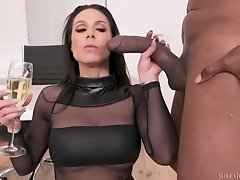 Horny MILF Kendra Lust hardcore interracial porn
